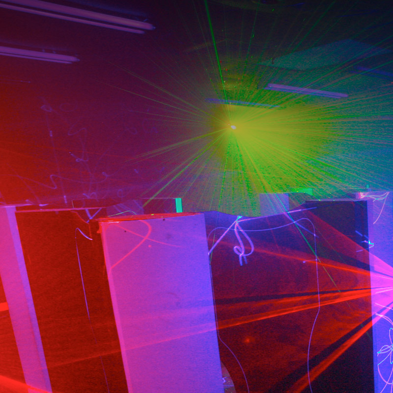 jeu laser activit pour enterrement de vie de gar on budapest. Black Bedroom Furniture Sets. Home Design Ideas